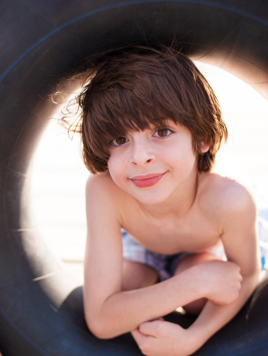 SUMMER LIFESTYLE IMAGE OF BOY | TOSCA RADIGONDA PHOTOGRAPHY