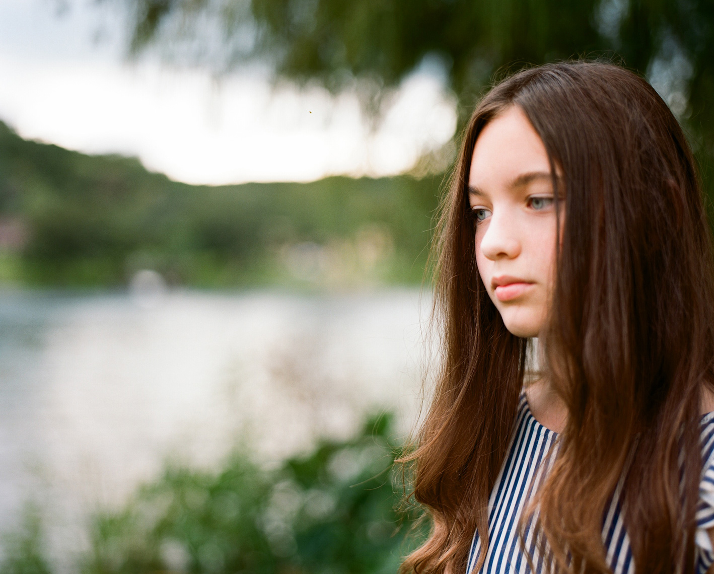 Beautiful tween girl profile | Editorial Portrait Photographer