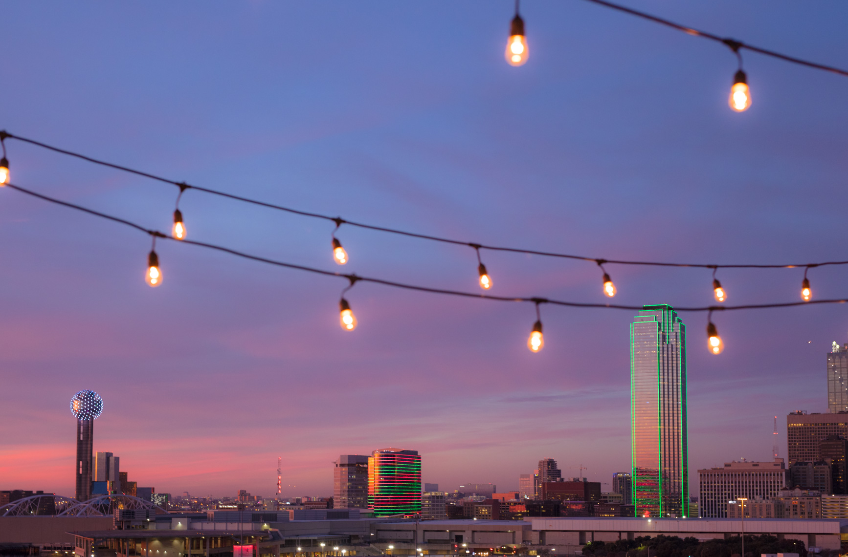 Purple Dallas sunset rooftop  |  Editorial Travel Photographer