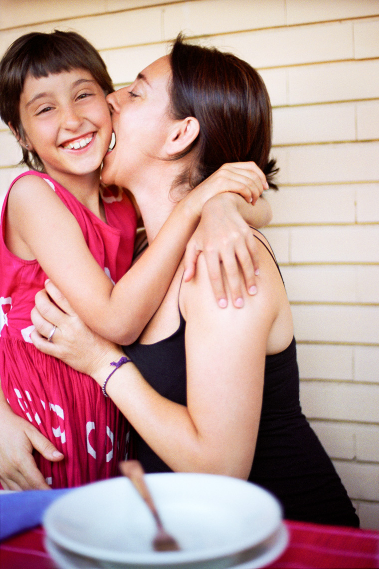 Spirited lifestyle portrait of mom and daughter | Tosca Radigonda Photography