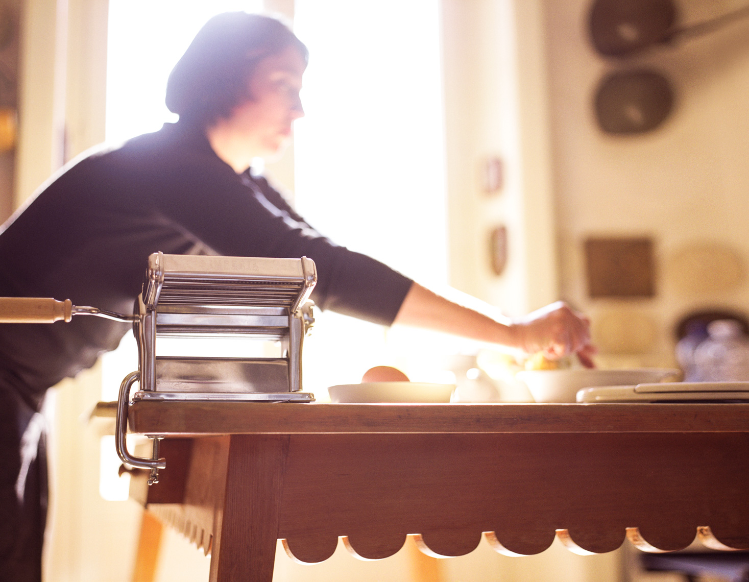 Woman cooking  pasta | Visual Storytelling Photographer
