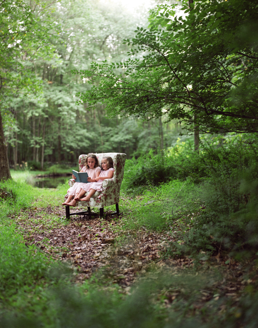 Children reading in forest | Visual Storytelling Photographer