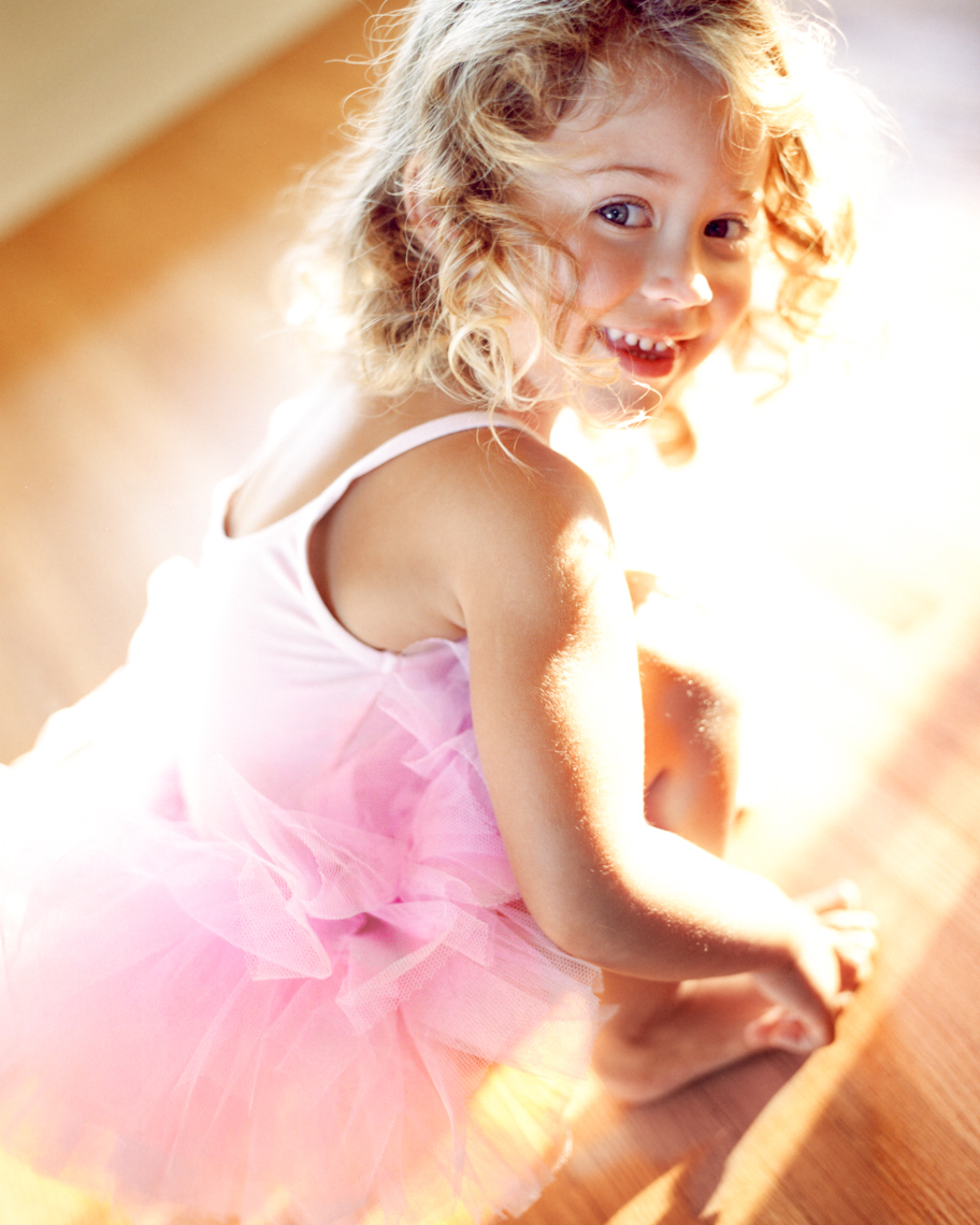 Lifestyle image of toddler in tutu | Tosca Radigonda Photography