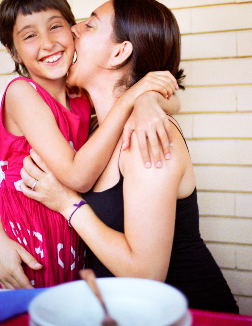 Lifestyle Image Of Italian Mom And Daughter | Tosca Radigonda Photography