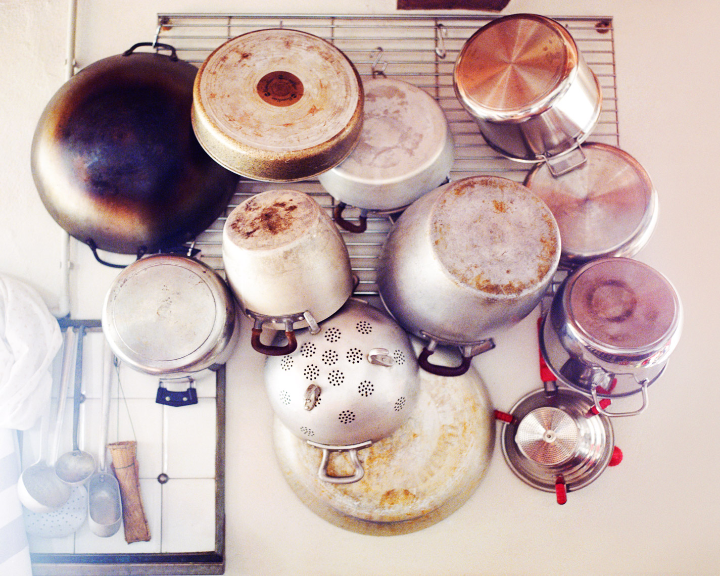 Rustic pots and pans | Tosca Radigonda Photography