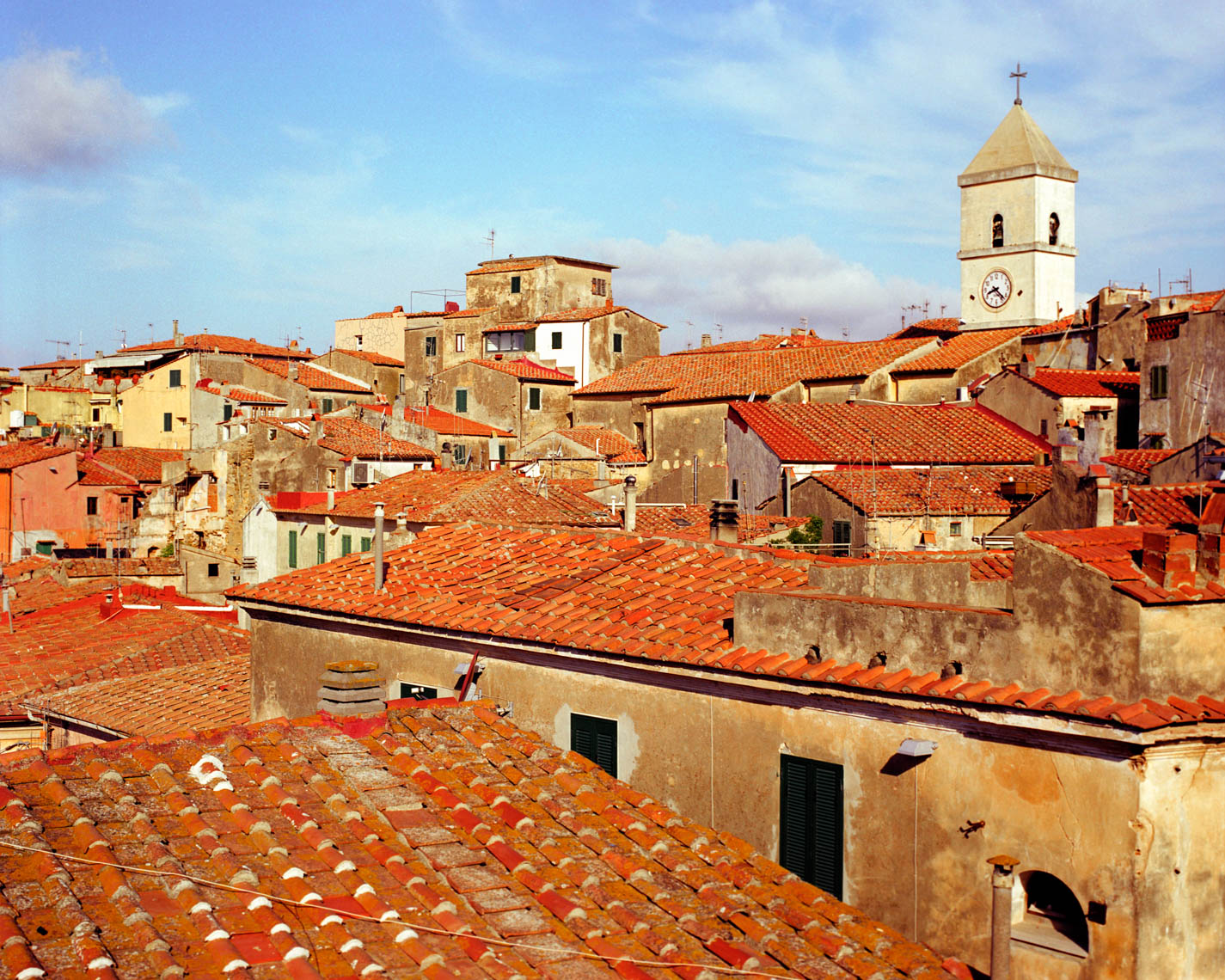 Red Italian rooftops | Tosca Radigonda Photography