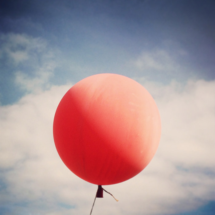 Image of Red Ballon | Tosca Radigonda Photography