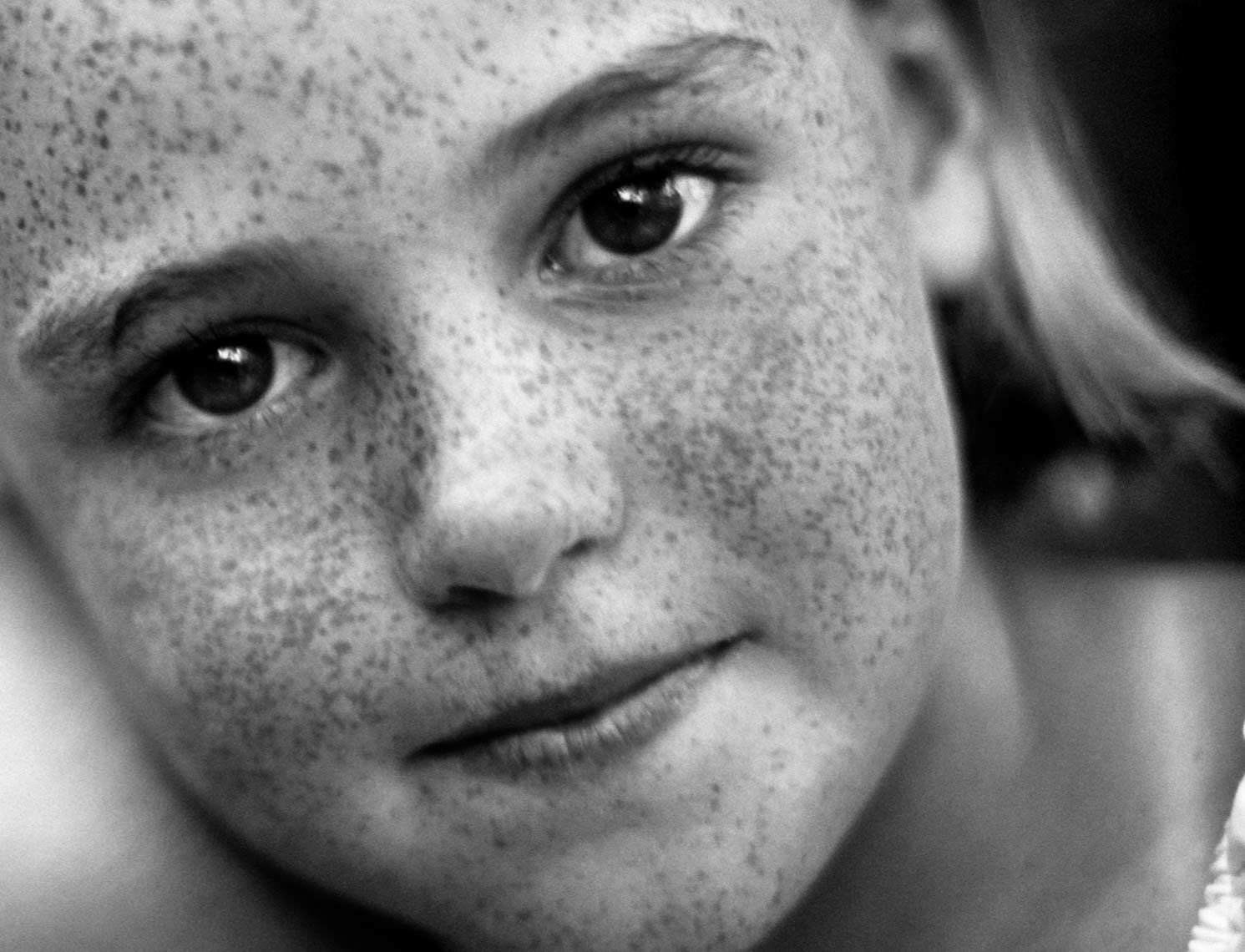 Close Up Portrait Of Child With Freckles | Tosca Radigonda Photography