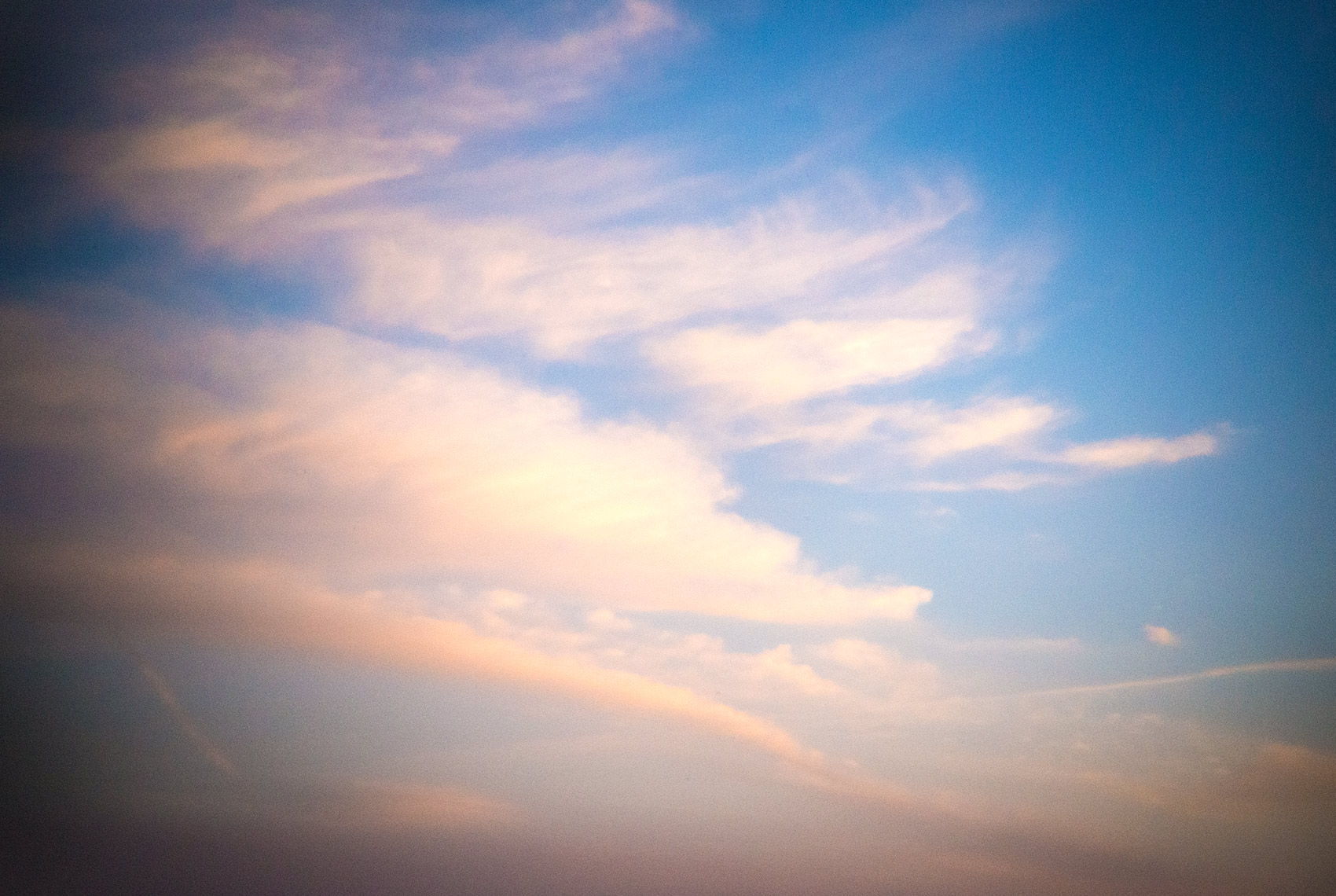 IMAGE OF SKY WITH CLOUDS | TOSCA RADIGONDA PHOTOGRAPHY