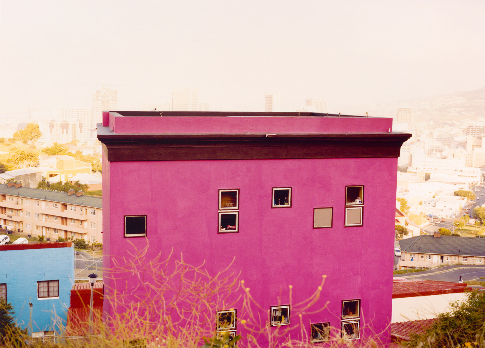 TRAVEL IMAGE OF PINK HOUSE | TOSCA RADIGONDA PHOTOGRAPHY